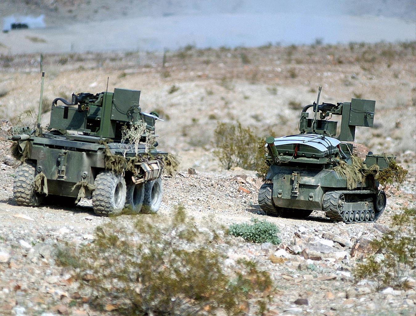military robots - 900×683