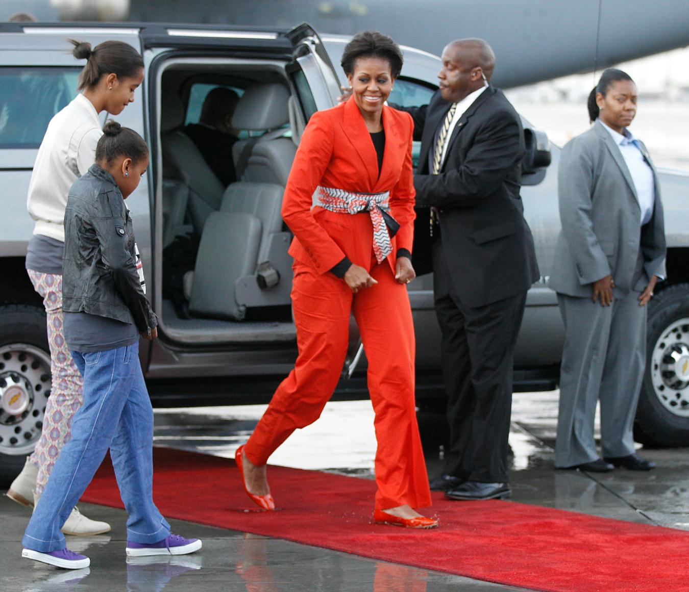 June 21 2015 Malia Sasha And Michelle Obama Leaving: ZeBóneOaparvalhado