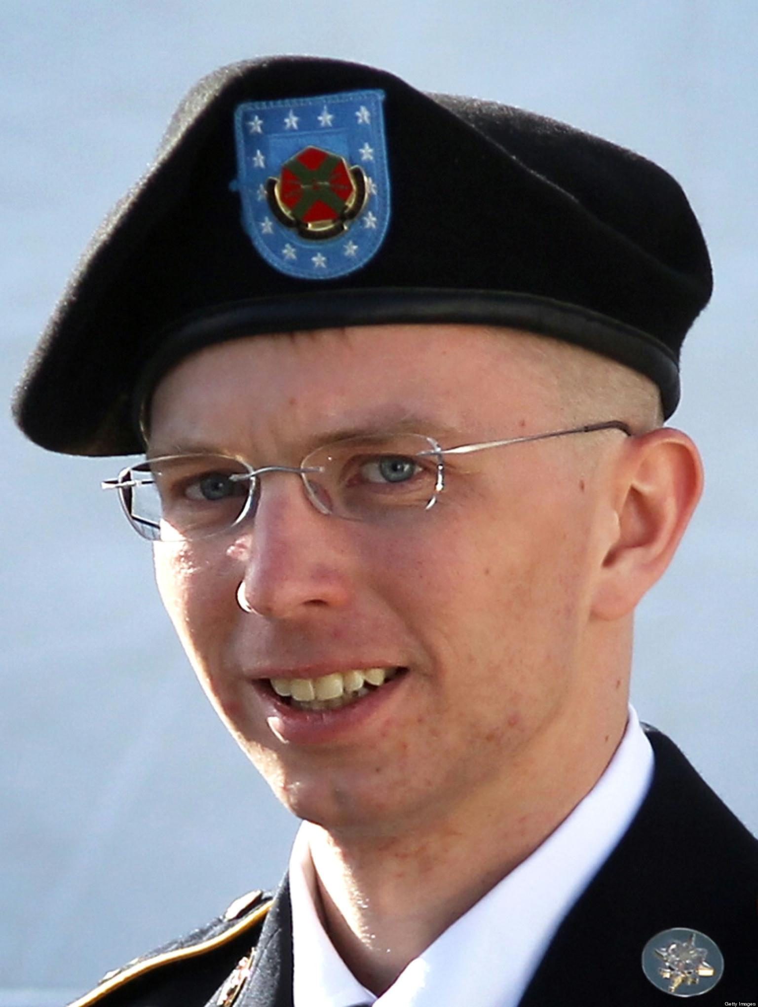 """bradley manning responsible for the largest intelligence leak in the history of the united states es The former us military intelligence analyst who was responsible for a 2010 leak of united states  sentence of bradley """"chelsea"""" manning."""