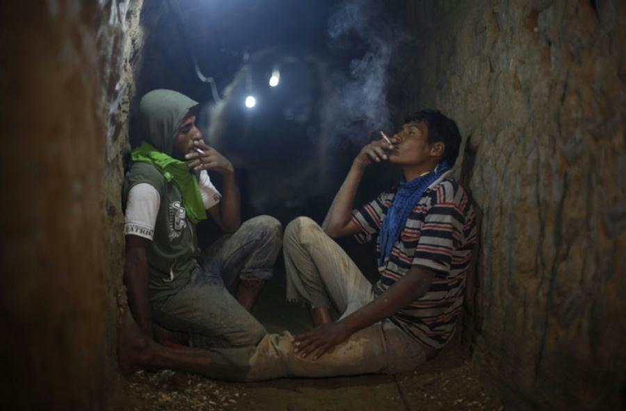 Райнер Бонхорст: Труженики подземелий в беде. Перевод с немецкого Эллы Грайфер