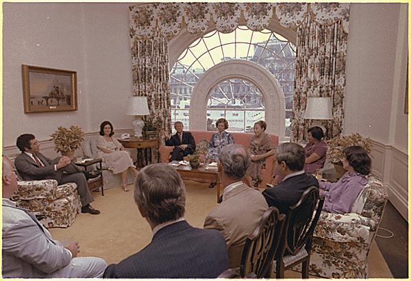 eyeballing the white house presidential residence. Black Bedroom Furniture Sets. Home Design Ideas