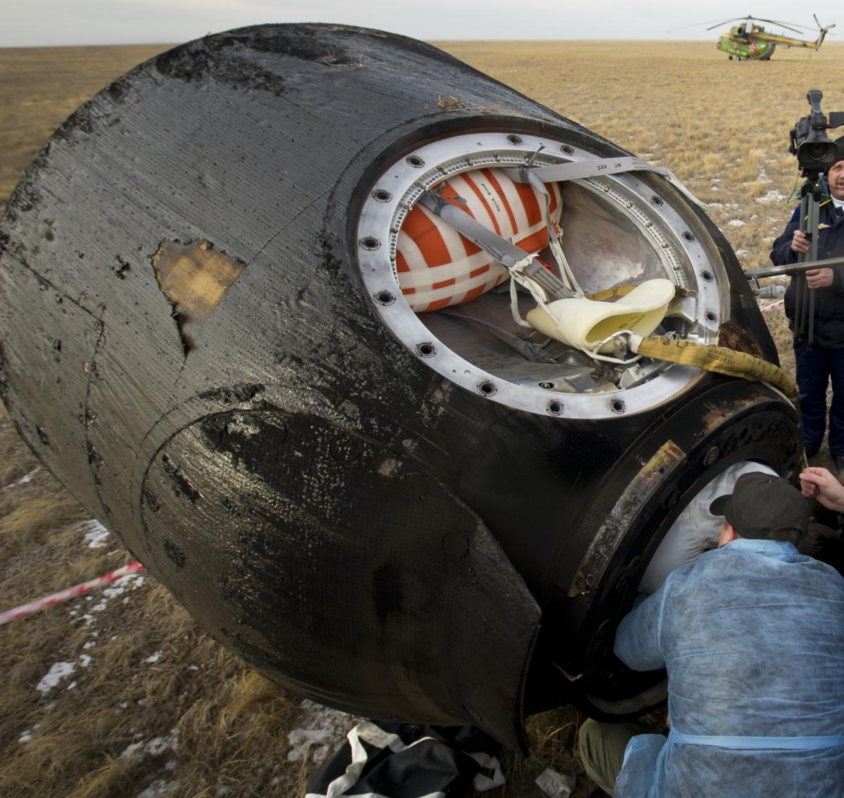 parachute module moon landing - photo #39