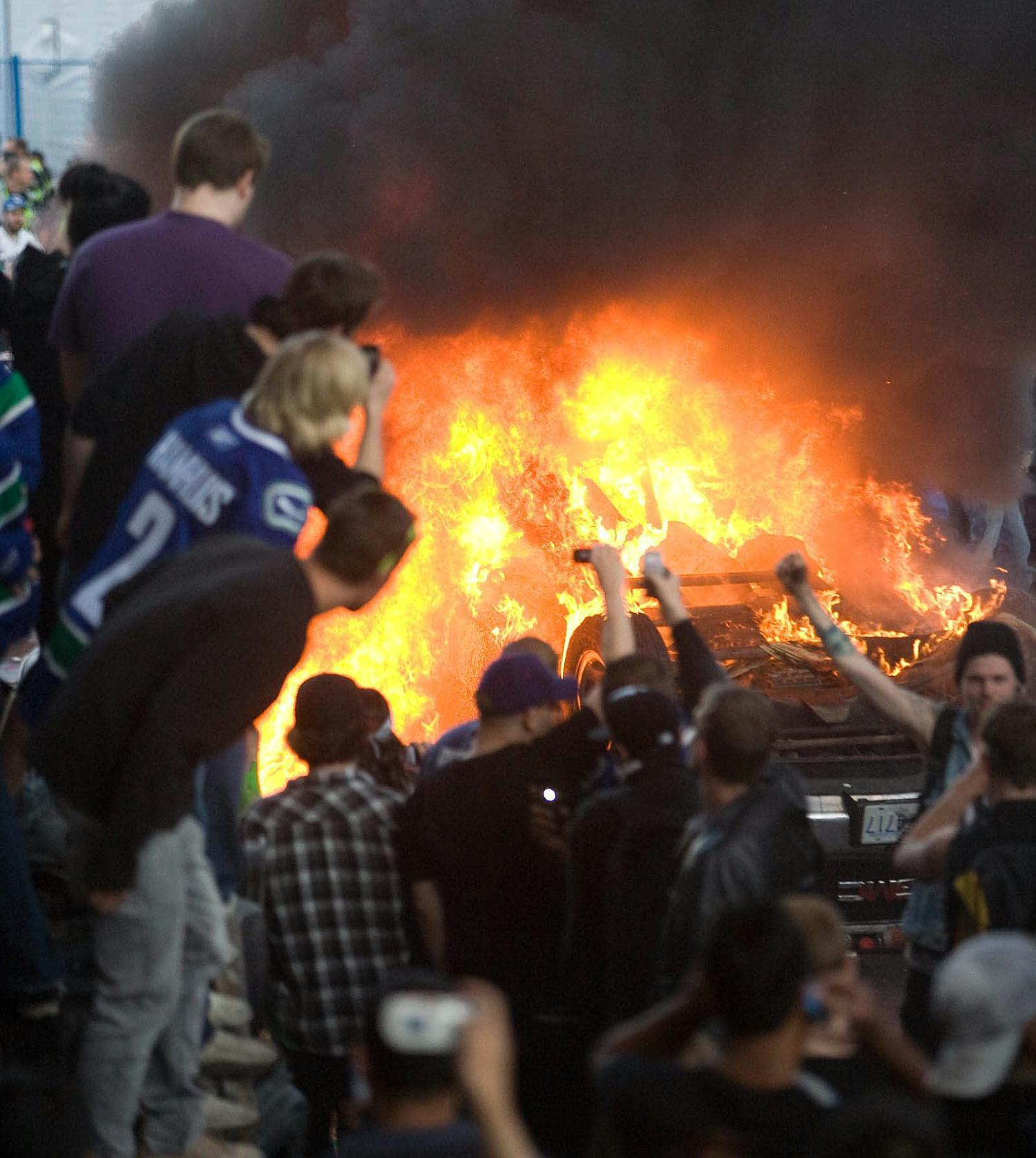 vancouver riots As soon as a police task force was created to punish the vancouver looters and rioters, photos and videos have poured in, people have turned themselves in, and angry online citizens have gone after alleged perpetrators on facebook and blogs.